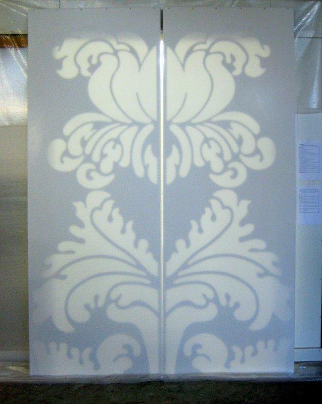 Posuvné dveře se světelným ornamentem - umělý kámen LG Hi-Macs