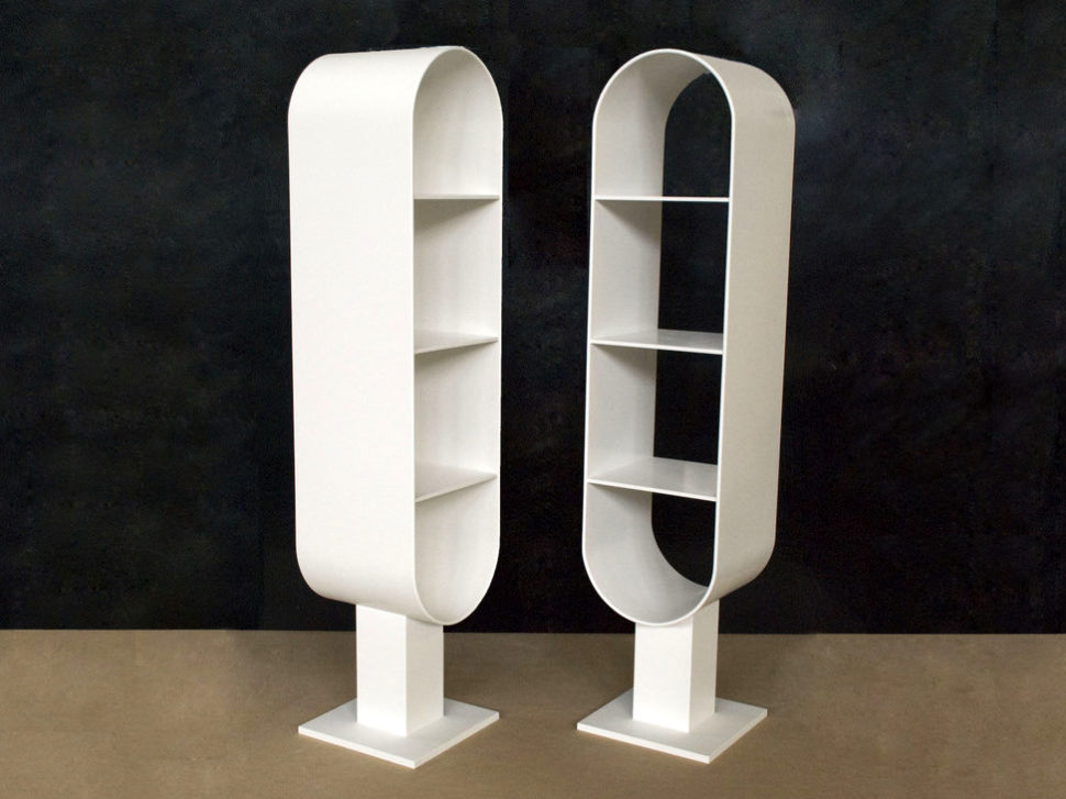 Bílý oválný koupelnový stojan naručníky - umělý kámen LG Hi-Macs