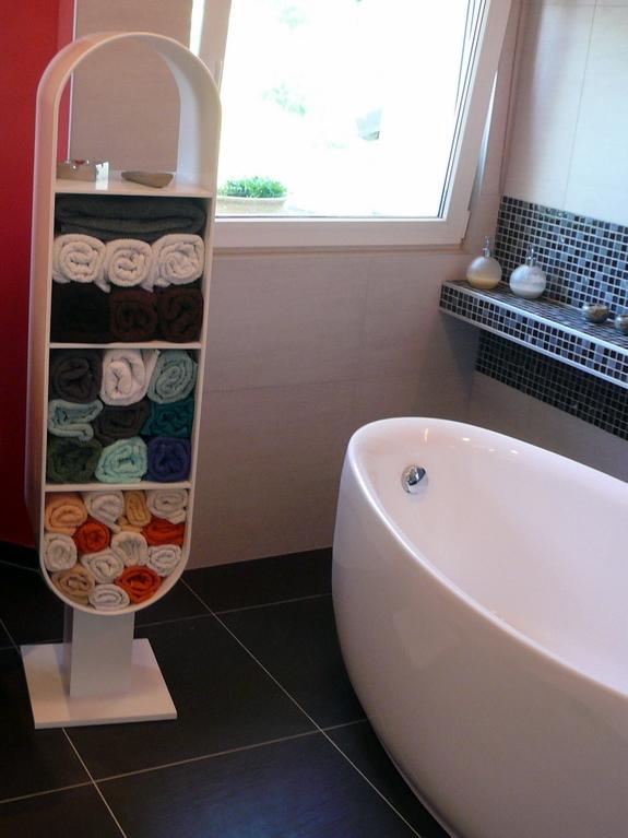 Koupelnový stojan naručníky - umělý kámen LG Hi-Macs
