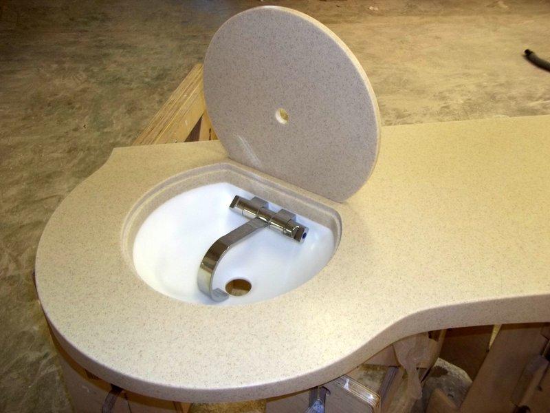 Pracovní deska auzavíratelný dřez - umělý kámen Pracovní deska auzavíratelný dřez zumělého kamene LG Hi-Macs