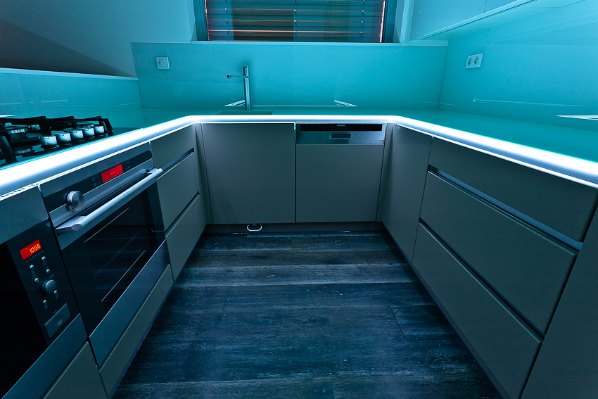 Kuchyňská pracovní deska sLED podsvícením - umělý kámen LG Hi-Macs