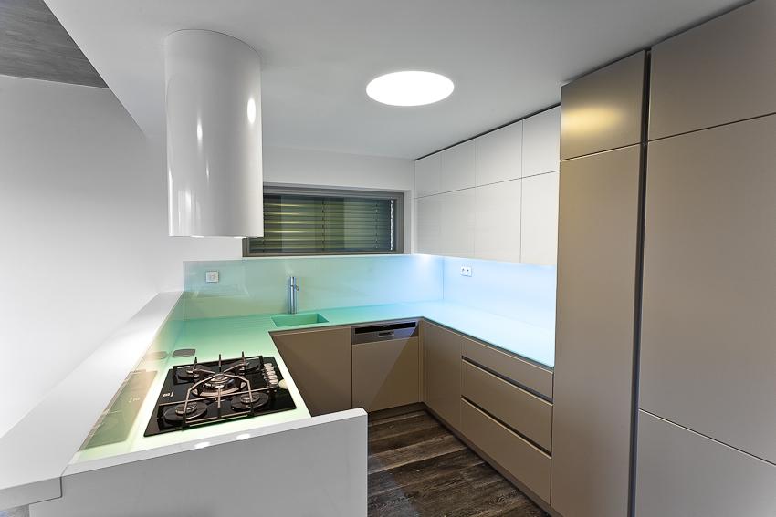 Pracovní deska sLED podsvícením - umělý kámen LG Hi-Macs