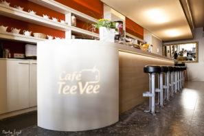 Podsvícený barový pult vCafé TeeVee - umělý kámen LG Hi-Macs