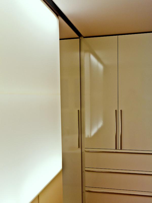 Oddělovací stěna - umělý kámen LG Hi-Macs