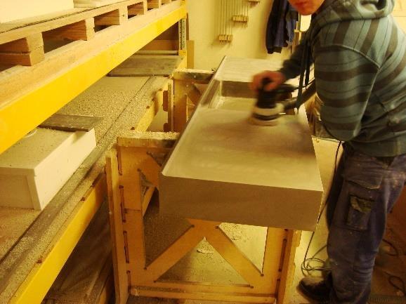 Opracování umělého kamene - broušení